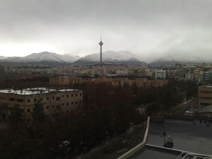 برج میلاد پس از باران