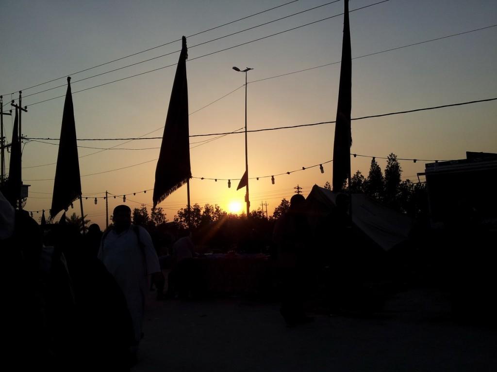 Sunset in the road of Ya Hussein at Arbaeen 2014 - غروب غمگین در مسیر یاحسین