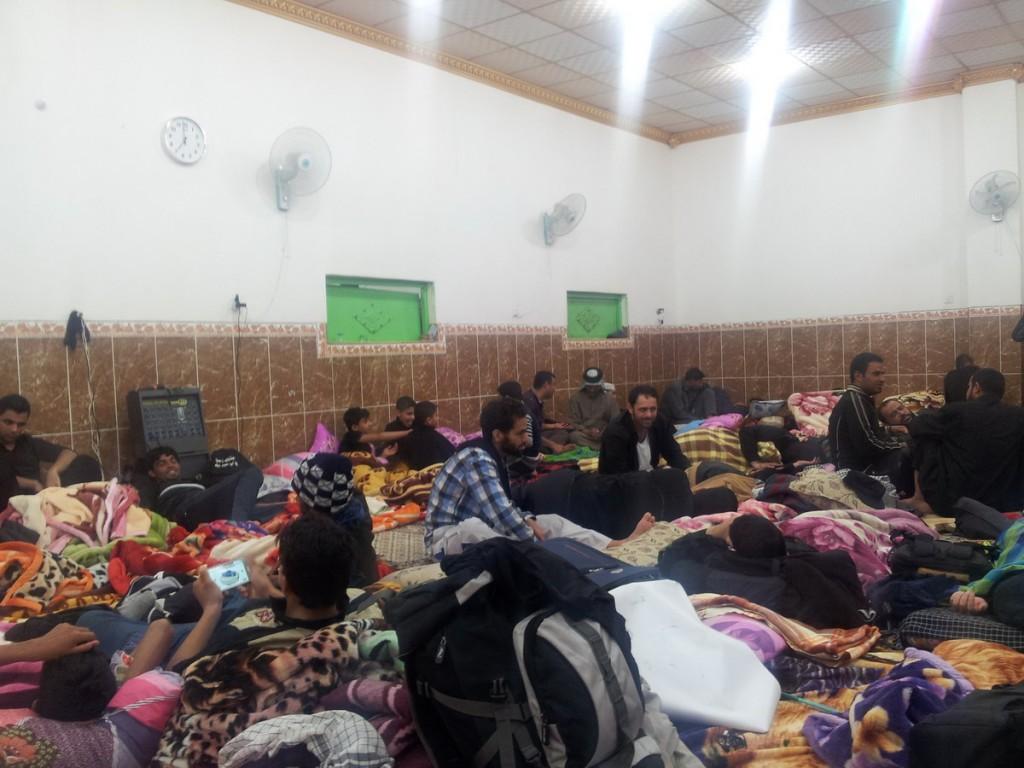 Sleeping in Moukebs - خواب زائرین در موکبهای بین راه
