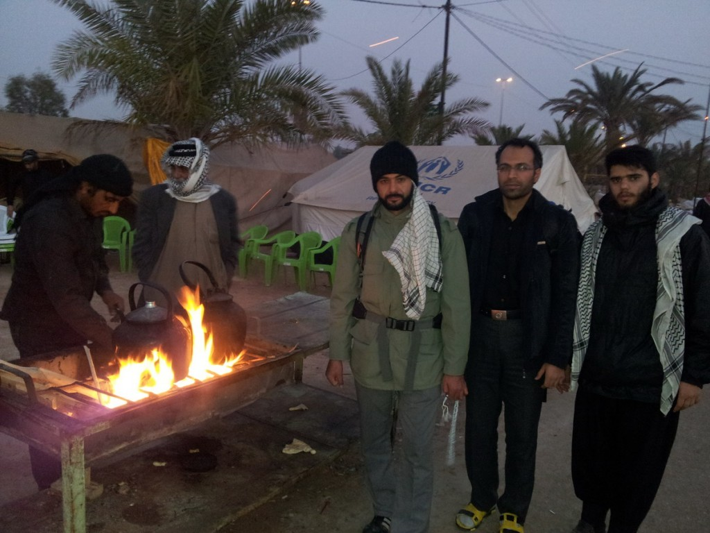 20141211_070807_Walking_in_Morning_Arbaeen_2014