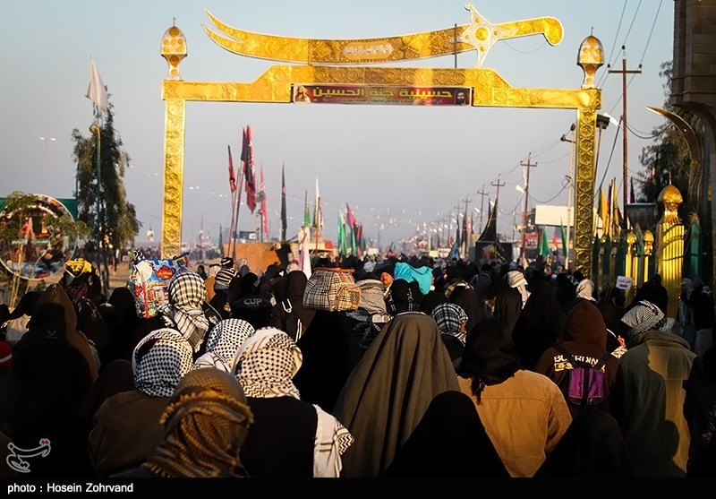 Pilgrims Walk to Karbala in Arbaeen 2013